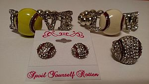 Love Baseball & Softball Bracelets & Bling Baseball Earrings   #Baseball