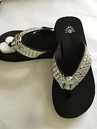 New Isabella Rhinestone Bling Cross Wings Flip Flops        #LGHW52