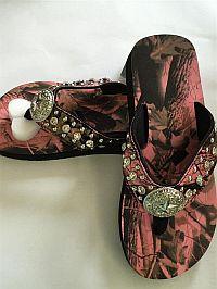 New Isabella Rhinestone Pink Camo Star Flip Flops        #LGW60PK